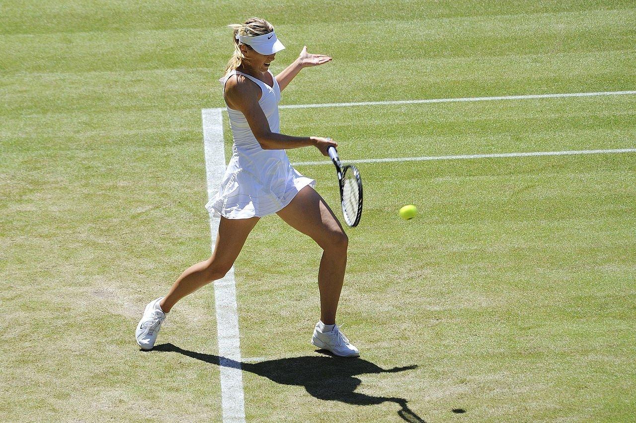 1280px-Maria_Sharapova_–_Wimbledon_2009_15