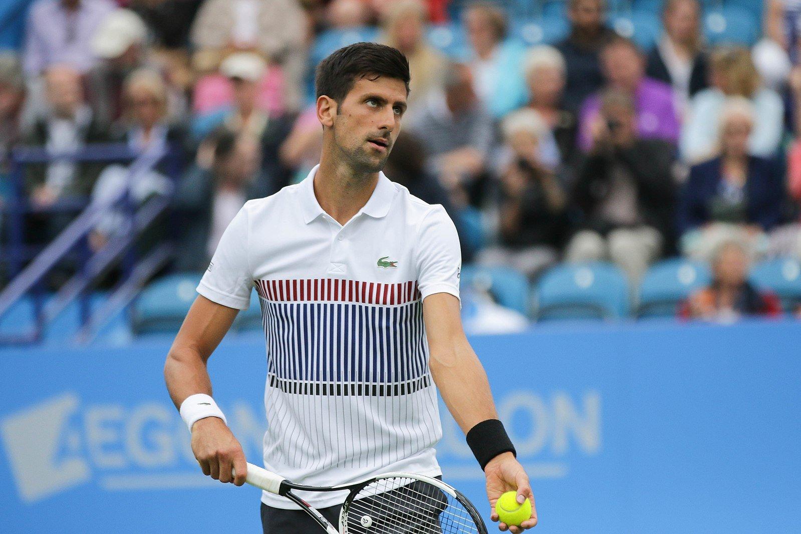1599px-Novak_Djokovic_Eastbourne_tennis_2017-102_(35585065596)